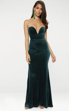 Emerald Green Strapless V Plunge Maxi DressThis red carpet worthy dress in an emerald green hue i...