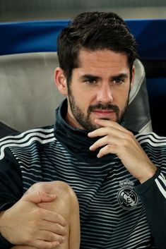 Isco of Real Madrid looks on from the bench during the FIFA Club World Cup UAE 2018 Semi Final match between Kashima Antlers and Real Madrid at Sheikh Zayed Sports City Stadium on December Get premium, high resolution news photos at Getty Images Real Madrid Football Club, Real Madrid Players, Soccer Guys, Soccer Players, Paris Saint Germain Fc, Equipe Real Madrid, Isco Alarcon, Spanish Men, Club World Cup