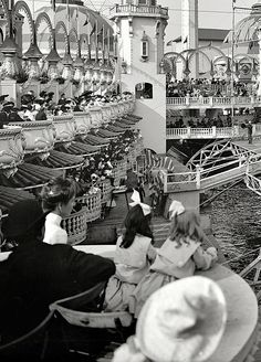 librar-y   New York circa 1905. In Luna Park, Coney Island.