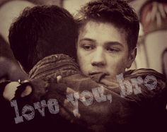 Falling Skies S2 A More Perfect Union Hal Mason Ben Mason Drew Roy Connor Jessup