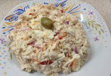 Η πιο τέλεια σαλάτα με στήθος κοτόπουλου και υπέροχη γεύση που φάγατε ποτέ! Greek Recipes, Desert Recipes, Cookbook Recipes, Cooking Recipes, Healthy Salads, Healthy Recipes, Salad Bar, Appetizer Dips, Savoury Dishes
