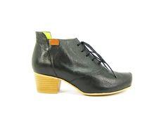 #ecoshoes #raymusgo #sincromo #zapatosecologicos #calzadosostenible #botines #botinescordones
