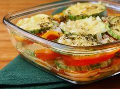 Receita indicada por Becel tomates e abobrinhas assados  http://cybercook.com.br/receita-de-abobrinha-e-tomates-assados-r-2-112006.html?origem=email_receitadodia