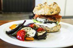 Krůtí burger s grilovanou zeleninou   Svět zdraví - Oficiální stránky
