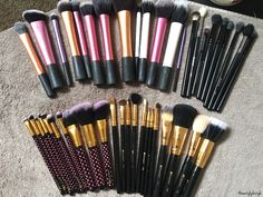 Clean brushes are happy brushes ✨
