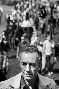 Michelangelo Antonioni while filming Zabriskie Point Great Life, New Life, Michelangelo Antonioni, Marcello Mastroianni, Cinema, Direction Quotes, Portraits, Great Films, Through The Looking Glass