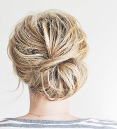 Low Chignon Hair Tutorial for a casual beach wedding hairdo Spring Hairstyles, Pretty Hairstyles, Prom Hairstyles, Second Day Hairstyles, Teenage Hairstyles, Blonde Hairstyles, Hairstyles For Short Hair Formal, Medium Updo Hairstyles, Hairstyles For Nurses