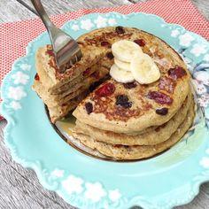 Pancake de plátano con arándano seco