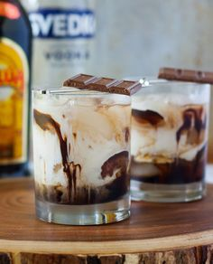 Ingredients : 2 ounces Vodka 1 ounces Kahlua 2 ounces Heavy Cream ounce Chocolate Syrup Ice For full instructions, pleas. Mixed Drinks Alcohol, Alcohol Drink Recipes, Fireball Recipes, Cocktail Desserts, Cocktail Recipes, Dinner Recipes, Mini Desserts, Kahlua Drinks, Alcoholic Beverages
