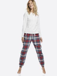 Pysjsett bestående av topp, bukse og øyemaske i 100% bomull. Toppen har lange ermer og knapper i front. Buksen er i flanellkvalitet og har strikk og knytesn Melert grå Pajama Pants, Pajamas, Shopping, Fashion, Pjs, Moda, Sleep Pants, Fashion Styles, Pajama