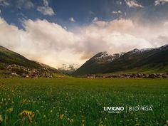 #Livigno, Buona serata ..... #mountains #mountainlife #landscape #summer #mountain #beutifulday☀️ #feelthealps Pedestrian, Lps, Hotel Offers, Rooftop, Terrace, Skiing, Mountains, Landscape, Summer