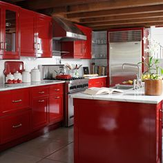 Red. Glossy Red. What a fab kitchen!