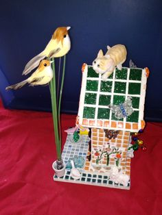 Action had een leuke verzameling houten vogelhuisjes. Heb van alle soorten er een gekocht en ' gepimpt'.