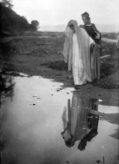 © Imogen Cunningham, 1912. By the Waters   www.imogencunningham.com