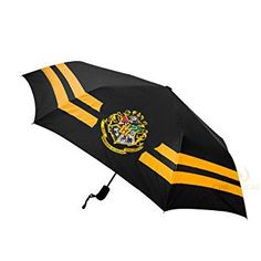 Check out our Harry Potter Umbrellas. All four Houses available: Slytherin, Gryffindor, Ravenclaw and Hufflepuff. All of our premium replicas are designed to recreate the ones in the Harry Potter movie! Harry Potter Laden, La Saga Harry Potter, Harry Potter Shop, Harry Potter Outfits, Harry Potter Gifts, Harry Potter Universal, Harry Potter Movies, Harry Potter Hogwarts, Ravenclaw