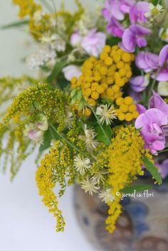 #solidago #sweetpeas My Flower, Flower Arrangements, Bouquet, Garden, Plants, Floral Arrangements, Garten, Bouquet Of Flowers, Lawn And Garden