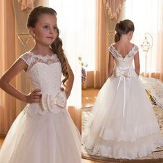 Vintage Lace Flower Girl Dresses A Line Illusion Bateau Neckline Corset  Lace-up Back Appliqued Tulle Floor Length Pageant Gowns Custom Made 2018  from ... 7da8252be8