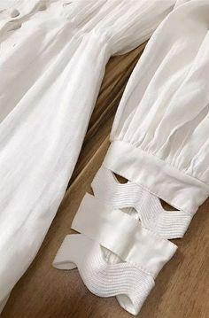 Sleeves Designs For Dresses Kurti Sleeves Design, Kurta Neck Design, Sleeves Designs For Dresses, Dress Neck Designs, Sleeve Designs, Blouse Designs, Salwar Designs, Kurti Designs Party Wear, Costura Fashion