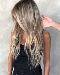Bouncy Waves - 40 Ash Blonde Hair Looks You'll Swoon Over - The Trending Hairstyle Summer Blonde Hair, Blonde Ombre Hair, Blonde Hair Looks, Ombre Hair Color, Hair Color Balayage, Sandy Hair Color, Baylage Blonde, Sandy Blonde Hair, Balayage Highlights