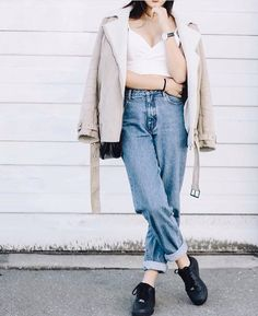 Pinterest: @barbphythian || ootd | tothe9s | mom jeans