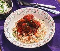 Σουτζουκάκια στο φούρνο | Συνταγή | Argiro.gr - Argiro Barbarigou Food Categories, Risotto, Grains, Dinner Recipes, Rice, Ethnic Recipes, Seeds, Laughter, Supper Recipes