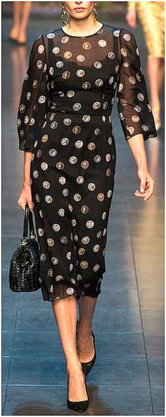 Dolce & Gabbana Fashion Show Details Fashion Online, Fashion Show, Fashion Design, Milan Fashion, Luxury Fashion, Womens Fashion, Sheer Dress, Feminine Style, Designing Women