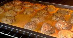 Taky jste nadšení, když začne houbová sezóna? Máme pro Vás užasný recept na houbovo-masové karbanátky, které Vás na 100 % překvapí! Díky hříbkům jsou karbanátky krásně šťavnaté a tak potěší i ty nejmlsnější jazýčky. Co budete potřebovat? 450 g mletého vepřového masa 300 g žampiónů, nebo Vašich oblíbených hříbků 80 g tvrdého sýra 1 cibuli …