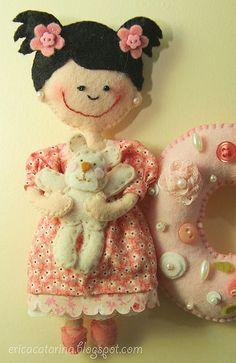 Enfeite de porta - doll felt pattern ideas design craft diy
