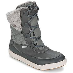 These snow boots are like a high top trainer equipped for the snow! By Hi-Tec @rubbersole !
