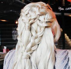 Game of Thrones Daenerys Targaryen (Khaleesi) Hair Tutorial! Hairstyles Haircuts, Braided Hairstyles, Cool Hairstyles, Khaleesi Hair, Hair Game, Hair Shows, Smooth Hair, Hair Designs, Gorgeous Hair