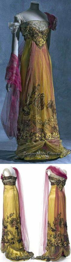 Callot sœurs, evening dress, 1909-1913, silk satin, metallic tulle and silk tulle. © Jean Tholance, Les arts Décoratifs, Paris, collection UFAC. https://www.pinterest.com/source/europeanafashion.tumblr.com