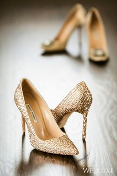 The post 20 Drop-Dead-Gorgeous GOLD Wedding Shoes Ideas! Me Too Shoes, Women's Shoes, Shoe Boots, Fashion Heels, Fashion Boots, Gold Wedding Shoes, Gold Weddings, Wedding Rings, Golden Shoes