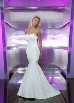 Style T8169 » Wedding Gowns » DaVinci Bridal » Available Colours : Ivory, White