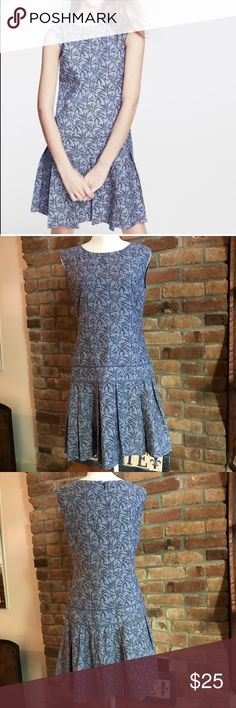 J. Crew Palm Print Drop Waist Dress size 6 Easy-to-wear drop waist style. Like new. Mix up your wardrobe a bit with this palm print style! Size 6 - true to size. Will add measurements in AM! Cotton/linen blend. J. Crew Dresses