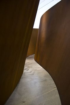 Richard Serra @ LACMA     ...(Experience the latest   galleries in     NYC with https://www.artexperiencenyc.com