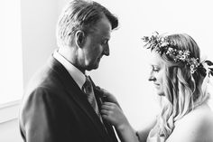 Wedding photography: Bride and father