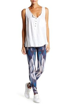 How cute are these Milk26 Feather Print Leggings?!