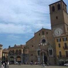 Piazza Broletto nel Lodi, Lombardia
