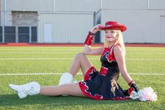 On location photography, capturing life's special moments. Team Picture Poses, Dance Team Pictures, Drill Team Pictures, Senior Pictures Sports, Senior Picture Outfits, Cheer Pictures, Team Photos, Dance Photos, Senior Pics