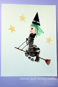Footprint Flying Witch Using your childs foot some paint and paper scraps you can make this adorable witch this Halloween! The post Footprint Flying Witch was featured on Fun Family Crafts. Pied Halloween, Theme Halloween, Holidays Halloween, Halloween Crafts, Holiday Crafts, Holiday Fun, Halloween Clothes, Costume Halloween, Infant Halloween