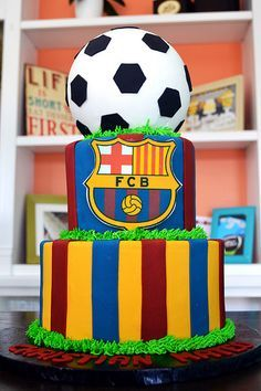 Barca / Barcelona FBC Soccer Cake By Simply Sweet Creations… Bolo Do Barcelona, Barcelona Soccer Party, Messi Birthday, Football Birthday Cake, Sport Cakes, Soccer Cakes, Soccer Birthday Parties, Novelty Cakes, Girl Cakes