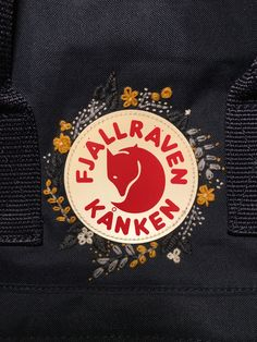 Fjällräven kåken mit Stickerei - hair styles for short hair Simple Embroidery Designs, Floral Embroidery Patterns, Couture Embroidery, Modern Embroidery, Cactus Embroidery, Diy Embroidery, Embroidery Stitches, Mochila Kanken, Fjällräven Kanken