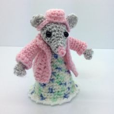 Lonemer Creations: Lily's Cardigan and Bonnet