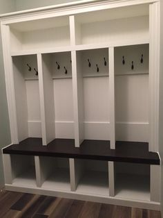4 Cubby Mudlocker mudroom entranceway bench. Built in Mud locker bench with storage
