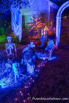 DIY Halloween Graveyard Ideas: How to Make a Halloween Cemetery - Entertaining Diva @ From House To Home I love the spooky lighting in this Halloween yard haunt. Find out how to create a spooky Halloween graveyard in your front yard. Diy Halloween Graveyard, Halloween Fence, Fairy Halloween Costumes, Halloween Haunted Houses, Creepy Halloween, Holidays Halloween, Halloween Yard Ideas, Halloween 2020, Happy Halloween