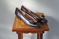Vintage Salvatore Ferragamo Brown Leather Shoes | Vara Bow Pump by SunnywoodVintage, $95.00