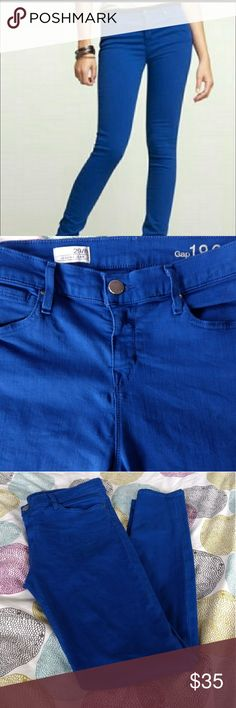 """GAP Legging Jeans Comfy """"brilliant blue"""" legging jeans.   Size 29 / US 8.   Only worn twice, in excellent condition!  86% cotton/ 11% polyester/ 3% spandex.  30"""" inseam GAP Jeans Skinny"""