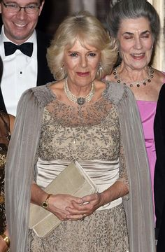 Camilla, Duchess of Cornwall, in her stunning gown and floor-sweeping cape as she attends a private dinner with her husband and friends in Washington D. Royal Tiaras, Royal Jewels, Martin Luther King Memorial, Elizabeth Ii, Charles X, Camilla Duchess Of Cornwall, Dinner Wear, Beige Outfit, Windsor