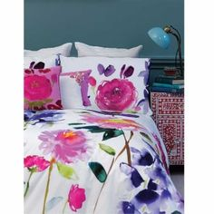Bluebellgray bedding - Taransay is classic bluebellgray; maxi floral blooms beautifully rendered in Fi's signature watercolour style. Named after a beautiful island on the West Coast of Scotland and featuring a colour palette of soft pinks, purples and blues, Taransay is fresh and modern making a real design statement in style.
