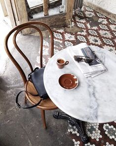 Bistro table and chair in old cafe. Via: Her Paperweight Deco Restaurant, Restaurant Design, Bentwood Chairs, Dining Chairs, Rattan, Dining Table, Kaffee To Go, Design Ikea, Table Design